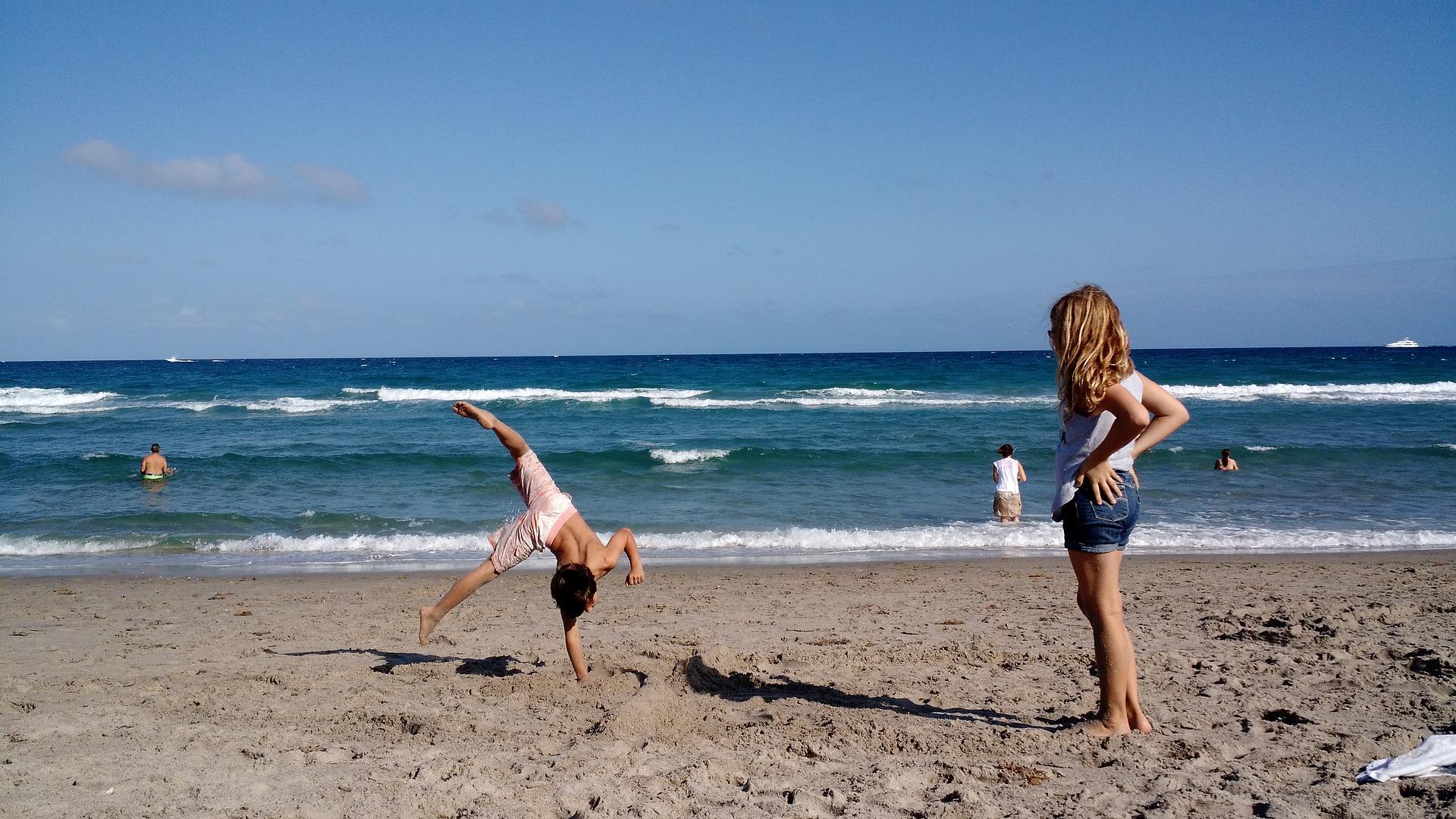 beach-1615969_1920